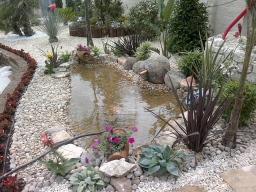 realizacin de pequeas obras de albailera tales como escaleras fuentes muretes jardineras y enlosados con todo tipo de materiales